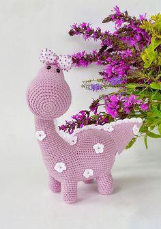 Amigurumi crochet pattern by MedvedevaToys on Etsy Crochet Flower Patterns, Flower Applique, Crochet Flowers, Thread Crochet, Crochet Toys, Free Crochet, Crochet Dinosaur, Crochet Dragon, Amigurumi Animals
