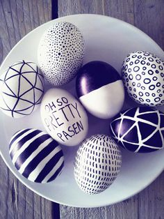 Easter recipes to make planning this holiday easier than ever! Plan for the entire Easter weekend with our recipes for dinner, dessert, and even brunch. Hoppy Easter, Easter Eggs, 2 Eggs, Sharpie Eggs, Diy Ostern, Egg Art, Easter Holidays, Egg Decorating, Spring Crafts