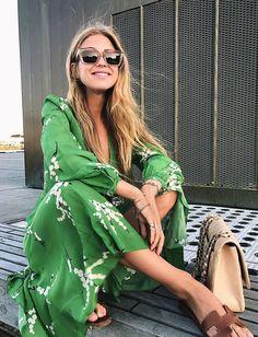 Wanted : une robe midi verte, fraîche et élégante (photo Emili Sindlev)