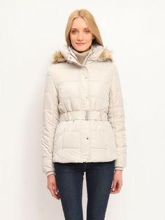 Top Secret Bunda dámská prošívaná s páskem poslední kus Dámská zimní bunda z kolekce TOP SECRET je vyrobena z příjemného a hřejivého materiálu. Je kratšího střihu ve smetanové a hnědé barvě. Bunda má zapínání na …