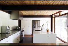 15 Contemporary Kitchens