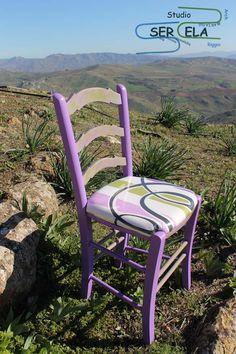 Restyling sedia tipica dell'artigianato siciliano di SerElaRestyling su Etsy Dining Chairs, Furniture, Etsy, Vintage, Home Decor, Sicilian, Decoration Home, Room Decor, Dining Chair