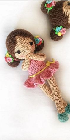 Diy Crafts - In this article we will share free amigurumi dolls crochet patterns. Everything about Amigurumi is what looking for. Cute Crochet, Crochet For Kids, Crochet Baby, Amigurumi Giraffe, Amigurumi Doll, Doll Patterns Free, Crochet Amigurumi Free Patterns, Knitted Dolls, Crochet Dolls
