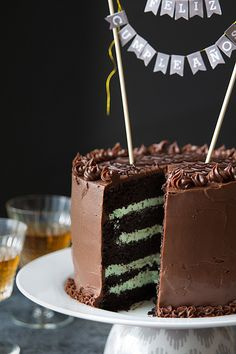 Please visit our website for Menta Chocolate, Chocolate Sweets, Angel Cake, Cakes And More, Party Cakes, No Bake Cake, How To Make Cake, Cupcake Cakes, Cake Recipes