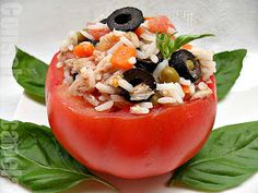 Con sabor a canela: Tomates rellenos de ensalada de arroz