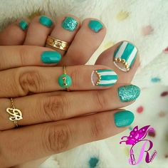هذه #أظافر اليوم  Here's a picture of my Tuesday Nails matching my Monday Pedi. Studded Half Moon Mint and White Nails and Studded Half Moon Mint and White Toe Nails using Mukka 17 #rebeccanakhle #nails #nailpolish #notd #manicure #nailart #naildesign #nailaddict #nailartwow #nailartvillage #nails2inspire #thenailartstory #fashion_lalo #toenails #pedicure #pedi #oje #vernis #unas #feet #nailporn #doubletab #mintnails #jbeil #byblos #lebanon #turkey #istanbul