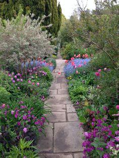Casual Spring Garden Gates Design Ideas That Youll Love 34 Tor Design, Gate Design, Garden Landscape Design, Garden Landscaping, Landscaping Design, Love Garden, Garden Ideas, Decorative Planters, Garden Gates