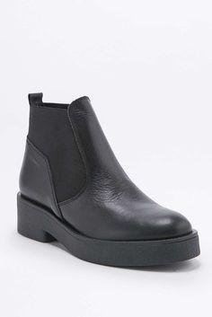 5d2906719dc21 99 meilleures images du tableau Chaussure plate   Shoe boots ...