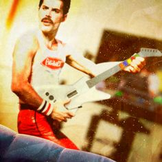 Freddie Guitar Hero2 pic on Design You Trust