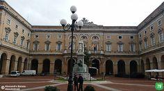 Piazza Leopardi #Recanati #Marche #Italia #Viaggio #Viaggiare #AlwaysOnTheRoad