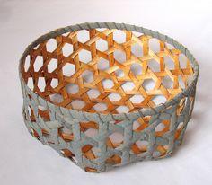 Willow bark, hexagonal plaiting. Pajunkuori, hexagonipunontaa