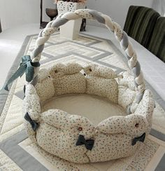 Ulla's Quilt World: Quilting basket - rabbit