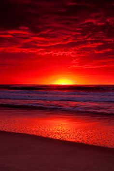 Ocean and Sunset nature sunrise sunset. Red Sunset, Sunset Beach, Beach Sunsets, Sunset Pics, Red Beach, Sunset Pictures, Sunrise And Sunset, Ocean Pictures, Amazing Nature