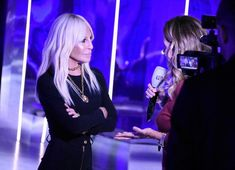 "Donatella Versace on Instagram: ""Interviews time!! 🎥 #versaceeverywhere #versacefw19"" Donatella Versace, Interview, Concert, Instagram, Hair, Recital, Festivals"