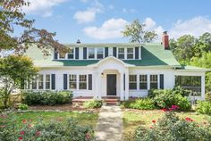 907 S Crest Rd, Chattanooga, TN 37404 - I would name it Green Gables.