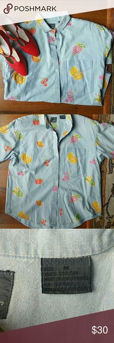 Vintage chambray button up. Medium. Liz sport Fruit! This fun button up is a medium fits baggy so woukd also fit large or small depending on style u want.100% cottton. In great shape. Perfect for all seasons. Long woukd be cute w skinnies Tops