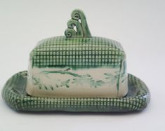 Butter dish with Bamboo texture & Tri-Spiral Knob, in Rich Emerald Green, in 2 sizes