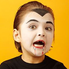 Halloween Face Paint Ideas for Kids For vampires, the fun begins at sundown. Painted-on fangs complete the look but don't Kids Vampire Face Paint, Kids Vampire Makeup, Witch Face Paint, Kids Makeup, Face Makeup, Celebrity Halloween Costumes, Halloween Makeup, Halloween Party, Dracula Face Paint