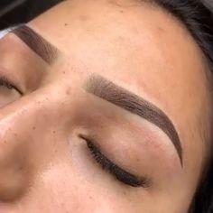 Camila Marchi eyebrow designer course, eyebrow designer course How to make eyebrows at home Mircoblading Eyebrows, Eyebrows Goals, Best Eyebrow Makeup, Permanent Makeup Eyebrows, How To Make Eyebrows, Eyebrow Design, Perfect Brows, Eyebrow Tattoo, Eye Makeup Tips