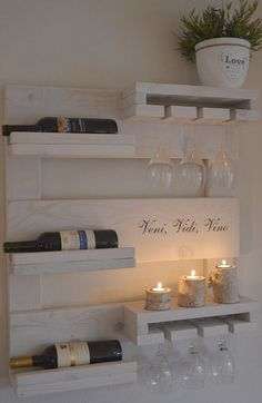 How to make a DIY Pallet Bar? wohnen - diy pallet creations How to make a DIY Pallet Bar? - Is it your friend's birthday or some big event coming up in few days? If yes and you wanted to surprise him then making a DIY pallet Pallet Bar, Diy Pallet, Pallet Ideas, Pallet Wine Rack Diy, Pallet Benches, Pallet Tables, Bar Deco, Wine Rack Design, Coffee Bar Home
