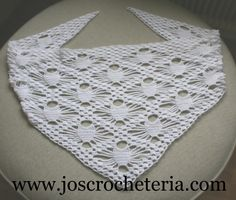 "Here s a neat ""look"" for the spiderweb design!   I gotta check this out!  spider scarf free crochet pattern"