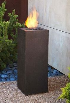 Available in two handsome finishes, the Baltic Propane Fire Column warms your outdoor space while providing contemporary style and beauty.