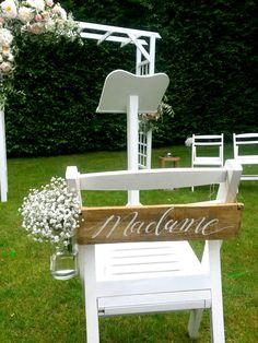 Cérémonie de mariage dans les jardins d'Eyrignac  #mariage #wedding #love #deco #amour #blanc #jardin #mariée #cérémonie #décoration
