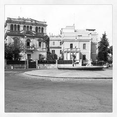 """Biking Roma. Piazza Caprera. Girata una scena di """"c'eravamo tanto amati"""""""