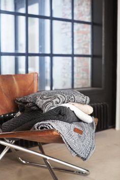 56ece93c Simple and Stylish Tricks: Minimalist Kitchen Decor Minimalism minimalist  bedroom interior bedside tables.Dark