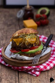 Cheddar-Lamm-Burger