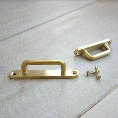 [ブラス]ツール・フック 趣きのある真鍮は インテリアに使えるアイテムの商品ページ|卸・仕入れサイト【スーパーデリバリー】