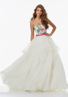 Shop Morilee's Floral Printed Organza Prom Ballgown with Beading and Ruffled Skirt. Prom Dresses by Morilee designed by Madeline Gardner. Enjoy an amazing prom night in this beautiful floral printed organza prom ballgown! Bridesmaid Dresses Floral Print, Bridesmaid Dresses 2017, Unique Prom Dresses, Dressy Dresses, Beautiful Dresses, Wedding Dress Organza, Tulle Ball Gown, Ball Gowns Prom, Ball Gown Dresses