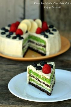 Tort cu fistic si crema de unt cu ciocolata alba Sweets Recipes, Cookie Recipes, White Chocolate Cake, Vegan Kitchen, Small Cake, Sweet Tarts, Something Sweet, Desert Recipes, Cakes And More