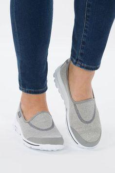 Kid's Skechers Go Walk Bitty Hearts (6 10) Grey | Shoe Sensation