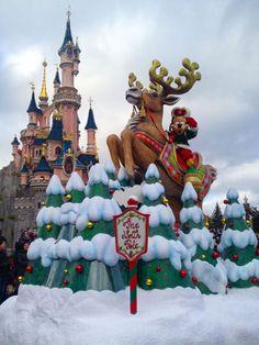 Max Goof   Disney's Christmas Celebration