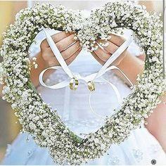 """290 curtidas, 2 comentários - Casamento por Flávia Ferrão (@passosdeumanoiva) no Instagram: """"Porta aliança lindo e leve para seu sim! #passosdeumanoiva #dicasparanoiva #casamentodedia…"""""""