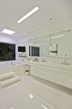 RESIDENCIA CL, SAO PAULO, BRASIL - PUPOGASPAR ARQUITETURA E INTERIORES - Sao Paulo, Brazil - 2008 #interiors #architecture #design #bathroom