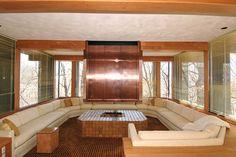 Mid century time capsule home for sale - Des Moines Mid Century Living Room, Mid Century Decor, Mid Century House, Pit Couch, Built In Sofa, Interior Decorating, Interior Design, Vintage Interiors, Retro Home Decor