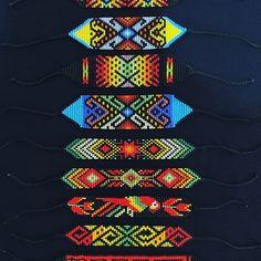 Native Beading Patterns, Beaded Bracelet Patterns, Loom Patterns, Loom Bracelets, Friendship Bracelets, Bead Loom Designs, Crystal Beads, Crystals, Bead Crochet