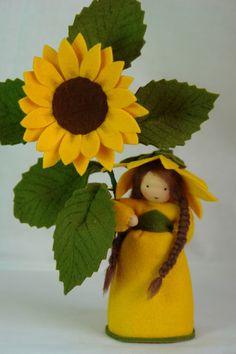 ACHTUNG!!! LIEFERZEITEN ZUR ZEIT 5-6 WOCHEN!!      Handgefertigte Blumenkinder und Jahreszeitenfiguren für den Jahreszeitentisch.      Größe (Püppchen