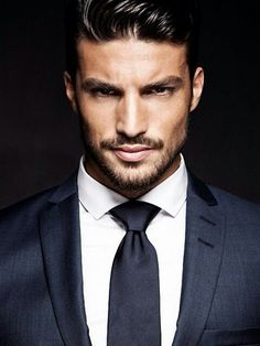 OMG #MarianoDiVaio is my new obsession..so many shadows..that i think he should play Christian Grey..