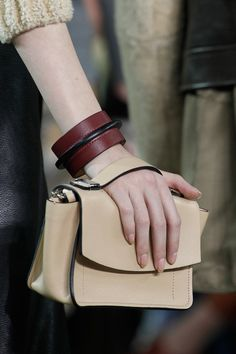Reed Krakoff Fall 2014 Ready-to-Wear Fashion Show Leather Workshop, Reed Krakoff, Girls Rules, Small Bags, Beautiful Bags, Clutch Wallet, Leather Clutch, Fashion Bags, Women's Fashion