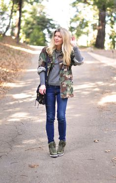 sporty outfit-camo-sneaker wedges Sporty Outfits, Fashion Outfits, Fashion Clothes, Denim Ideas, Outfit Goals, Outfit Ideas, Pretty Outfits, Pretty Clothes, Casual Chic