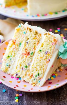 Sally's Baking Addiction Sally's Baking Addiction Recipe - Funfetti Layer Cake<br> Buttery vanilla layer cake filled to the brim with rainbow sprinkles and finished off with sweet vanilla frosting with piped pink and blue border. Confetti Cake Recipes, Layer Cake Recipes, Dessert Recipes, Rainbow Layer Cakes, 3 Layer Cakes, Cake Rainbow, Poke Cakes, Rainbow Sprinkles, Cupcakes