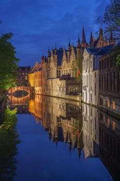*Wonderful image from Bruges, Belgium.