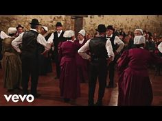 Katerine - Danse traditionnelle [Official Video] - YouTube