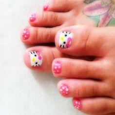 Hello Kitty Toes <3 French Fade Nails, Faded Nails, Christmas Nail Art Designs, Christmas Nails, Hello Kitty Nails, Nails For Kids, Tough As Nails, Cat Nails, Toe Nail Designs