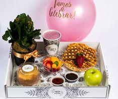 Trabajamos a pequeña y gran escala. Desde el desayuno o regalo especial para celebrar un cumpleaños hasta la conmemoración de la fundación de una gran empresa con cientos de obsequios.