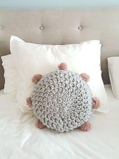 Knit and Love Crochet Pillow, Crochet Top, Baby Patterns, Crochet Patterns, Diy Pillows, Throw Pillows, Crochet Home Decor, T Shirt Yarn, Free Pattern