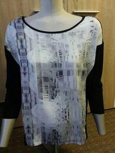 Top se zajimavym vzorem Reserved Blouse, Tops, Women, Fashion, Moda, Fashion Styles, Blouses, Fashion Illustrations, Woman Shirt